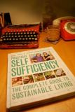 Practical Self Sufficiency - Dick & James Strawbridge (Hardback)